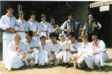 Folklorna skupina Anton Umek-Okiški Boštanj.